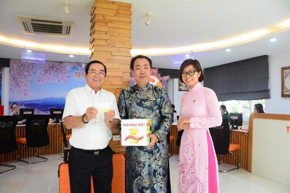 TST tourist chúc mừng khách hàng Phạm Trần Minh Anh sở hữu giải thưởng Tết Sum Vầy đợt 2