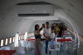 Máy bay bỏ không 22 năm thành nhà hàng