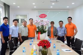 Lãnh đạo UBND Quận 3 đến thăm và chúc mừng ngày Doanh nhân Việt Nam