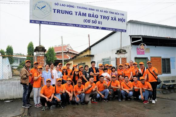 TST Tourist goes on charity trip to Ben Tre