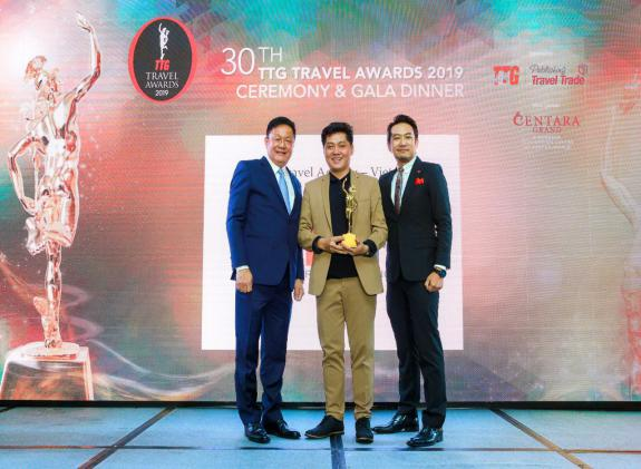 TST tourist receives prize TTG Travel Awards 2019